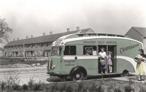 Grocery_van_in_Windmill_Road_1952.CNTHH.S371