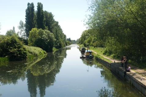 Lee Valley Park.  Photo: Eleanor Bentall 2nd June 2007 Tel: 07768 377413
