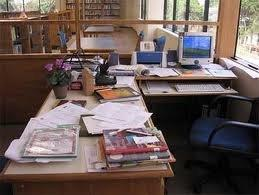 ClutteredDesk_Office